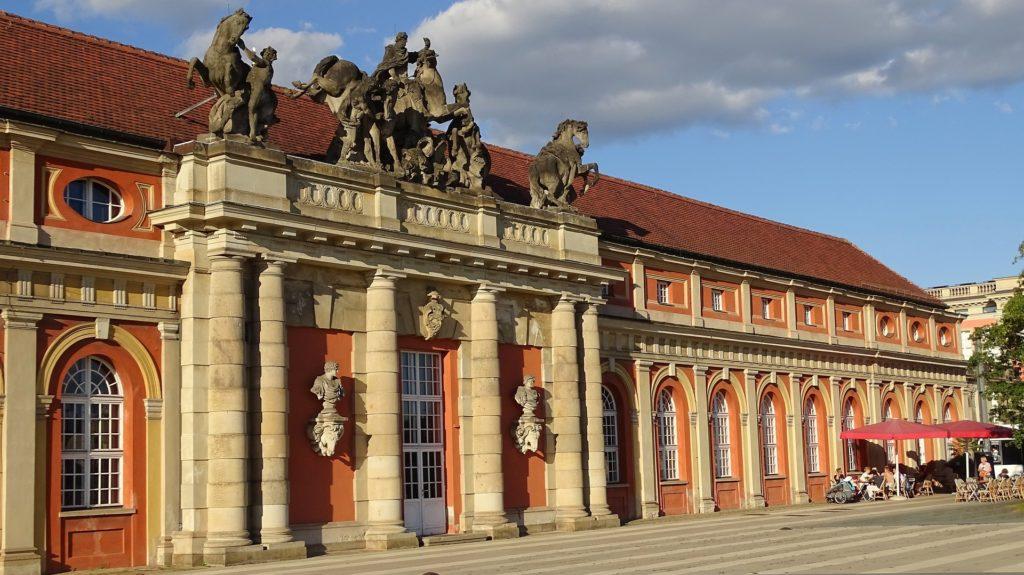 Marstall Potsdam mit dem heutigen FIlmmuseum Potsdam