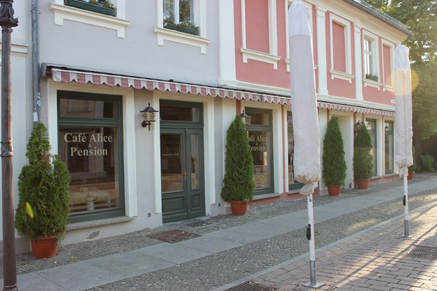 Café Alice Brandenburger Straße Potsdam